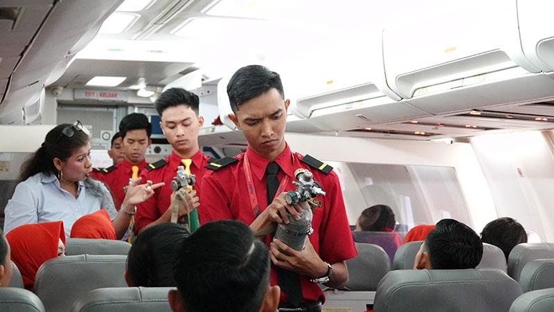 Sekolah Pramugara FAAST Penerbangan